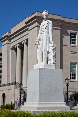 Abraham Lincoln statue at the Old District Courthouse