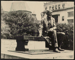 Sculpture of Lincoln sitting on a park bench