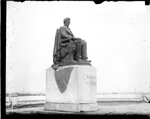Lincoln Monument in Grant Park